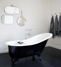 White Bathroom with Black Clawfoot Tub - Contemporary - Bathroom Black Bathtub, Wood Bathtub, Black Tub, Clawfoot Tubs, Black Mirror, Bath Tubs, Black Walls, Black White, Vintage Bathtub