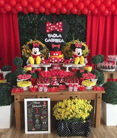 Festa da Minnie para a nossa princesa Paola Gabriela ❤️❤️❤️ Viva a Paola 🎉🎉🎉 Festa Chalkboard Minie Mouse Party, Minnie Mouse Birthday Theme, Minnie Mouse Party Decorations, Fiesta Mickey Mouse, Red Minnie Mouse, 1st Birthday Decorations, Mickey Mouse Parties, Mickey Party, Picnic Birthday