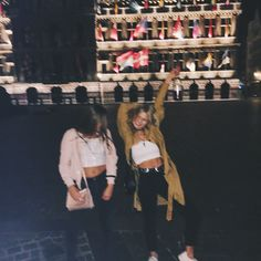 Friendship //picture: Amy van den bossche