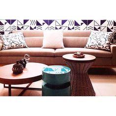 Lurca Azulejos | Azulejos Kit Azul cinza no projeto @mc2arquitetura | Kit Azul - Ceramic Tiles // Shop Online www.lurca.com.br #azulejos #azulejosdecorados #revestimento #arquitetura #reforma #decoração #interiores #decor #casa #sala #design #cerâmica #tiles #ceramictiles #architecture #interiors #homestyle #livingroom #wall #homedecor #lurca #lurcaazulejos