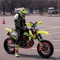 Motorcycle Dirt Bike, Dirt Bike Girl, Dirt Bikes, Motard Bikes, Ducati, Motorcross Bike, Jeep Sport, Chopper, Street Bikes