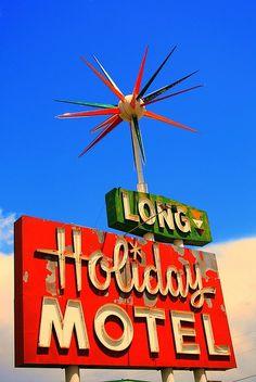 Holiday Motel sign in Gunnison,   http://traveltips979.blogspot.com