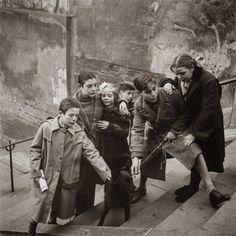 Edouard+Boubat,+Montmartre,+Paris,+1949.jpg (1097×1100)