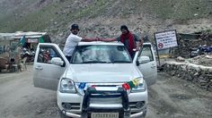 Narendra Pratap Yadav with his Force One en-route to Khardungla. Force One, Fan, Photos, Pictures, Hand Fan, Fans