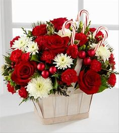 christmas floral arrangements | Holiday Gift Bouquet: Holiday ...
