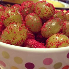 Sour Patch Grapes (Glitter Grapes) with sugar free cranberry and orange jello = YUM!!! Washed, wet grapes + jello + gallon ziplock and shake!