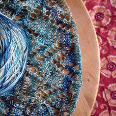 Only a few rows left until the border @kristinomdahl #kristinomdahlyarns #littlenutmegproductions #meghanjoneslnmp #makersofinstagram #knittingpattern #knittersofig #knittingaddict #knits #knitted #knit #knits #knitlove #knittersoftheworld #knittersofinstagram #design #designer #knitdesign #knitdesigner #knitting_inspiration #knitspiration #knitstagram #lace #laceshawl #laceknitting #shawl #instadaily #knitpro #premiumknit #bambooyarn