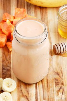 Drink this papaya and banana smoothie every morning to fuel your body for the day, while helping support healthy digestion and weight loss.