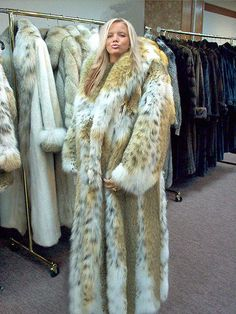 Huge Fur Coat - Coat Nj