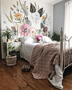 239 BOHO BEDROOM Boho duvets are influenced by the colorful hippie trends ofthe The Nineteen Sixties originated most of the trends regarded as boho home decor. The boho chic style is primarily influenced by folk crafts. Gray Bedroom Walls, White Bedroom, Bedroom Curtains, Girl Curtains, Wall Paper Bedroom, Boho Curtains, Floral Bedroom Decor, Home Decor Bedroom, Botanical Bedroom