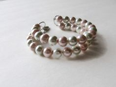 Pink And White Pearl Bracelet by Creationsbylaceyjane on Etsy, $16.00