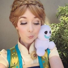 The most adorable Anna costume look.