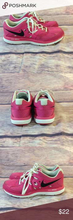 Nike Girls Dual Fusion Sneakers Shoes Size 4.5 Nike Dual Fusion Lite Girls Sneakers Size 4.5 Y Pink 599295-602  Condition: Pre-owned  Color: Pink  US Shoe Size (Youth):4.5  Brand: Nike  T41 Nike Shoes Sneakers