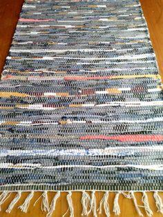 decoracion  hecho a mano  trapillo     alfombra por Limbhad en Etsy, €10.00