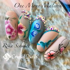 #crystalnails #teamreka #nagel #nails #nail #fashion #style  #cute #beauty #beautiful #instagood #pretty #girl #girls #stylish #shine #styles #glitzer #glitter #nailart #onemove #malerei #painting #onestroke #swarovski #blingbling