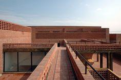 Xiang Jing + Qu Guangci Sculpture Studio / aterlier100s+1