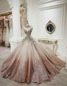 Pretty Quinceanera Dresses, Gold Prom Dresses, Pretty Prom Dresses, Ball Gown Dresses, Beautiful Dresses, Formal Dresses, Party Dresses, Ball Gowns Prom, Dresses Dresses