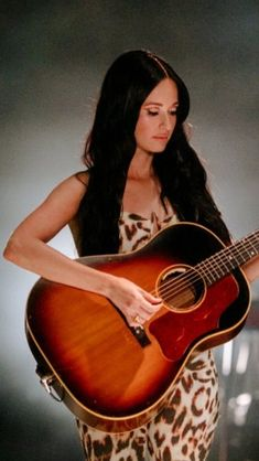 Kacey Musgraves, Country Artists, Music Instruments, Guitar, Celebs, Beautiful, Women, Amor, Celebrities