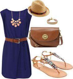 otra tendencia de color en vestido, un color azul pavo real hermoso con sandalias para las bajitas y con bolso perfecto :)