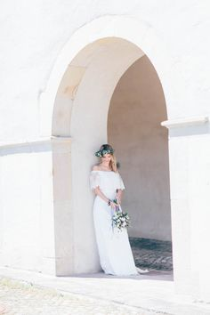 Lavender and Lemons - a Romantic Wedding Inspiration at Castle Muenchhausen Outdoor Wedding Dress, Wedding Ceremony, Wedding Dresses, Wedding Designs, Wedding Styles, Lavender And Lemon, Romantic Wedding Inspiration, Wedding Aisle Decorations, Bridal Looks