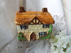 Your own country cottage! A thatched English residence :)