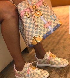2020 New Louis Vuitton Handbags Collection for Women Fashion Bags Louis Vuitton Shoes, Vuitton Bag, Louis Vuitton Handbags, Purses And Handbags, Tote Handbags, Louis Vuitton Sneakers Women, Cute Shoes, Me Too Shoes, Zapatillas Louis Vuitton