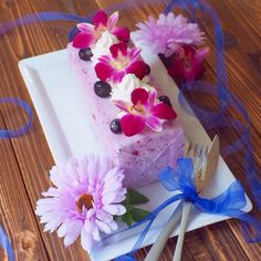 牛乳パックで簡単!ブルーベリーチーズのアイスケーキ by きゃらきゃら(小林睦美) 「写真がきれい」×「つくりやすい」×「美味しい」お料理と出会えるレシピサイト「Nadia   ナディア」プロの料理を無料で検索。実用的な節約簡単レシピからおもてなしレシピまで。有名レシピブロガーの料理動画も満載!お気に入りのレシピが保存できるSNS。