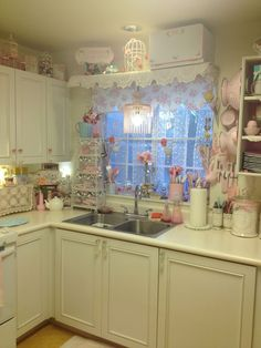 *・゜*:fairynests:*゜・* shabby chic kitchen love the lace curtains