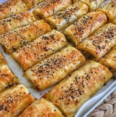 Even those who don't like leeks fainted meals I made a scrumptious taste leek bö You can also make yufkayla you need. I ready baklava. Turkish Recipes, Ethnic Recipes, Leek Pie, Oven Dishes, How To Cook Rice, Breakfast Items, Rice Krispie Treats, Easy Cake Recipes, Popular Recipes