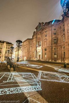 Piazza Carignano Piedmont Italy, Turin Italy, Best Of Italy, World Of Darkness, Interesting Buildings, Italy Travel, Beautiful World, Places To Travel, City