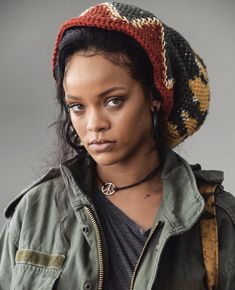 Find images and videos about beauty, rihanna and riri on We Heart It - the app to get lost in what you love. Mode Rihanna, Rihanna Love, Rihanna Riri, Rihanna Style, Rihanna Baby, Looks Hippie, Rihanna Outfits, Bath Body Works, Jenifer Lawrence