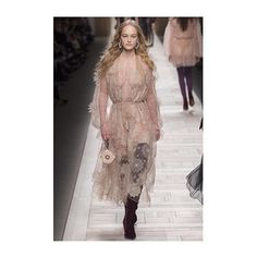 @fendi  #fashionweek #milanfashionweek #lofficieles  via L'OFFICIEL SPAIN MAGAZINE INSTAGRAM -Fashion Campaigns  Haute Couture  Advertising  Editorial Photography  Magazine Cover Designs  Supermodels  Runway Models