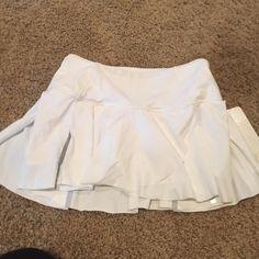 Lululemon athletica tennis skirt Very flattering lululemon athletica Other