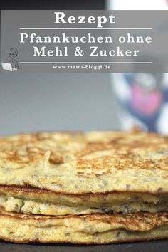 Pfannkuchen ohne Mehl & Zucker I confess, I love pancakes. And now I've created a pancake recipe that's even healthy. Because these pancakes are prepared without flour and sugar … Low Carb Sweets, Low Carb Desserts, Healthy Sweets, Dessert Recipes, Healthy Recipes, Pancake Healthy, Best Chocolate Desserts, Sweet And Low, Healthy Breakfast Options