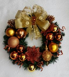 New Years Decorations, Christmas Decorations, Holiday Decor, Christmas Live Wallpaper, New Year Diy, Handmade Home Decor, Diy Wreath, Holiday Wreaths, Christmas Crafts