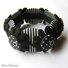 Bracelet monté sur élastique