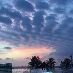 Foto: @caramonm  www.hotellasamericas.com.co  #ElHoteldeLasEstrellas #Colombia #Cartagena#ThePreferredLife #Caribbean Clouds, Celestial, Sunset, Instagram Posts, Outdoor, Caribbean, Cartagena, Colombia, Pictures