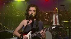 St Vincent - Cruel on Letterman 8-29-11 I just recently discovered this artist......can't wait to experience her live.   Unique!