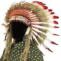 Tocado-de-jefe-indio-de-comercio-justo-con-plumas-rojas-y-manchas-negras