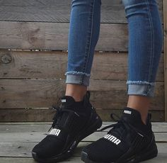 51 Tennis Shoes That Will Make You Look Great - Women Shoes Trends Puma Sneakers, Shoes Sneakers, Black Sneakers, Cute Shoes, Me Too Shoes, Puma Ignite Limitless, Souliers Nike, Sneakers Fashion, Fashion Shoes