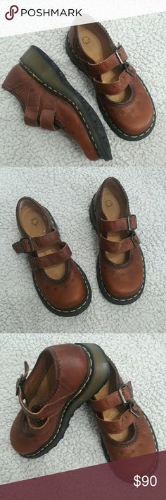 Leather Mary Janes Dr. Martens classic EUC Size 7 • ships fast • brown leather • clean • EUC Dr. Martens Shoes