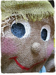 Make It With Me: Scarecrow Building 101 Make A Scarecrow, Scarecrow Crafts, Scarecrow Costume, Witch Costumes, Scarecrow Ideas, Halloween Costumes, Scarecrows For Garden, Fall Scarecrows, Outdoor Halloween