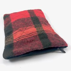 Sack Sack Classic: Lumberjack Red Body Powder, Routine, Old Things, Throw Pillows, Classic, Red, Cushions, Decorative Pillows, Decor Pillows