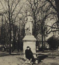 Elizabeth Bishop in Paris, 1937.  Photo by Louise Crane