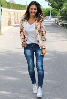 50 Most Modern Street Style Women's Blazer Outfits For Fall And Winter - Page 40 of 50 - Marble Kim Design Floral Blazer Outfit, Outfit Jeans, Floral Outfits, Blazer Outfits For Women, Look Blazer, Cute Spring Outfits, Summer Outfit, Love Fashion, Womens Fashion