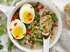 Nấu cháo gà nấm ngọt thơm ăn sáng bằng nồi cơm điện - http://congthucmonngon.com/188554/nau-chao-ga-nam-ngot-thom-sang-bang-noi-com-dien.html