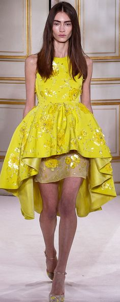 Celebrity-Inspired Style, Fashion, and Beauty Ellie Saab, Glamour Moda, Fashion Details, Fashion Design, Mcqueen, Yellow Fashion, Sweet Dress, Saint Laurent, Mellow Yellow