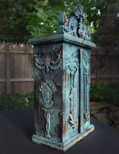 72-reliquary-chest-heatherktracy-for-iod-three-quarter-view
