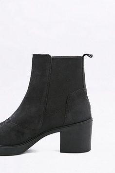 "Vagabond – Chelsea-Ankle-Boots ""Tilda"" aus Nubukleder in Schwarz - Urban Outfitters"