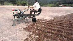 Você ficará por dentro das principais inovações tecnológicas na agricultura familiar. São tecnologias simples que muitas vezes podem ser produzidas dentro da propriedade
